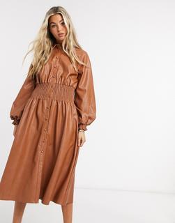 ASOS DESIGN - Braunes Midi-Hemdkleid aus Kunstleder mit geraffter Taille