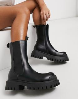 Truffle Collection - Chelsea-Boots mit dicker Sohle in Schwarz