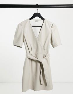 Pimkie - Miniwickelkleid aus Kunstleder in Ecru-Weiß