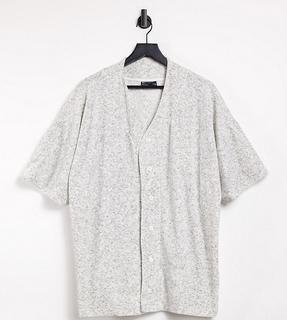 ASOS DESIGN - Plus – Oversize-Jersey-Hemd aus Frottee mit Baseballkragen und kurzen Ärmeln in Graumeliert