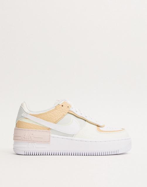 Nike - Air Force 1 Shadow – Sneaker in Creme und Orange-Cremeweiß