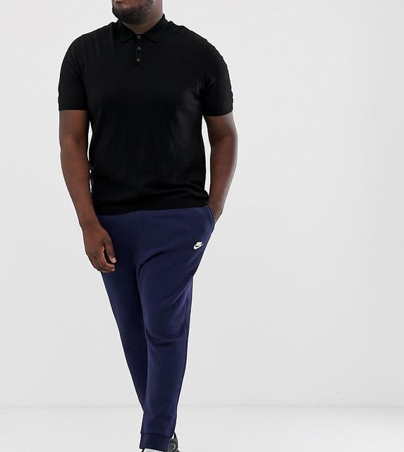 Nike - Plus – Club – Jogginghose mit engen Bündchen in Marine-Navy