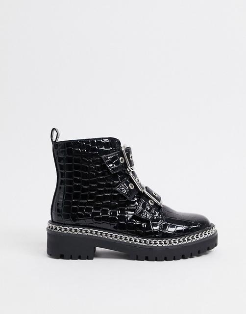 Truffle Collection - Schwarze Military-Stiefel mit Schnalle und Kettendetail