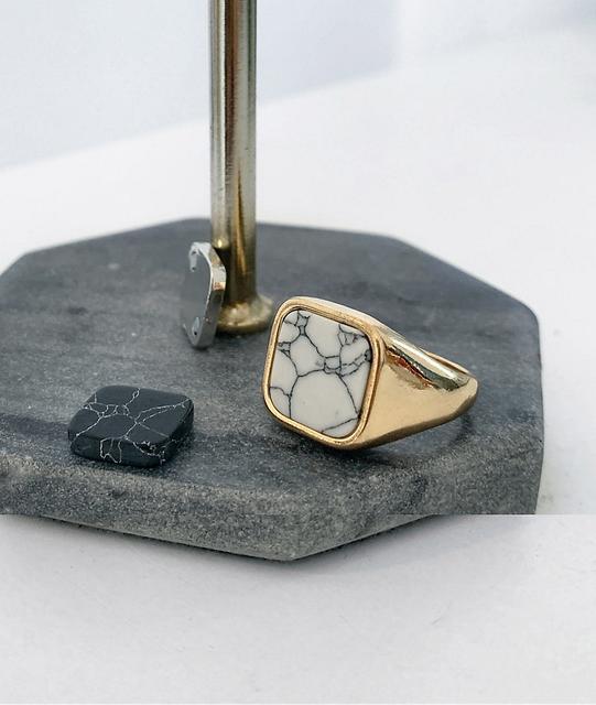 ASOS DESIGN - Goldfarbener Siegelring mit austauschbaren Halbedelsteinen-Mehrfarbig